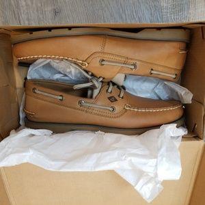 new in box Sperry 10 Leeward 2 Eye Sahara loafers